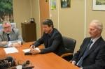 De gauche à droite : Gérad Volpatti, le président de la CAPE, Philippe Nguyen Thanh, maire de Vernon, et Marc Vancaeyzeele, vice-président chargé de l'environnement et des déchets.