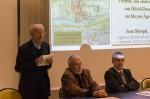 Jean Castreau, le secrétaire du CEV, présente le rapport moral de l'association. À sa droite, Michel Mallez et Jean Pouëssel.