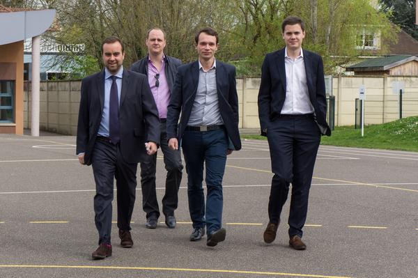 Arrivée des quatre jeunes mousquetaires de l'UMP, aujourd'hui tous adjoints, pour le vote de Sébastien Lecornu.