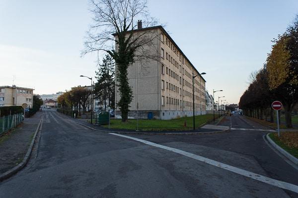 Immeuble Anatole France et quais de Seine.