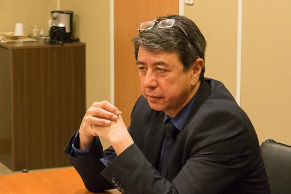 Philippe Nguyen Thanh, maire de Vernon, membre du parti socialiste, mandataire eurois de la campagne victorieuse du Président de la République.