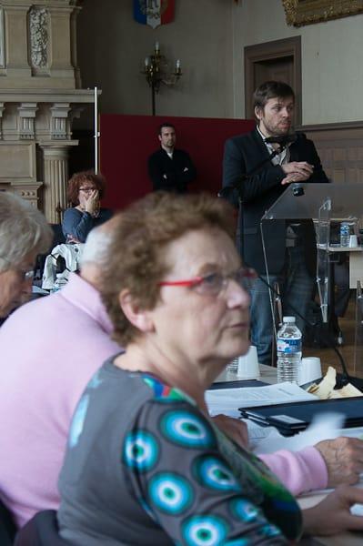 Annick Le Gac (PC) attentive à la présentation du cabinet Berim.