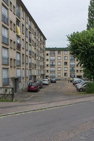 Les immeubles Louis Hébert et Anatole France, vus de l'avenue de Paris.