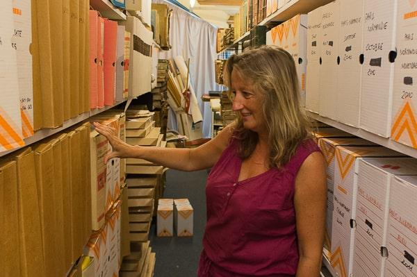 Les archives de la médiathèque sont situées au grenier, et non au sous-sol comme souvent.