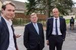 Alexandre Huau-Armani (Générations Vernon), à gauche, avec Jean-Luc Miraux (Vernon Tous Ensemble) et son directeur de campagne Steve Dumont, en toute cordialité pendant le dimanche du premier tour.